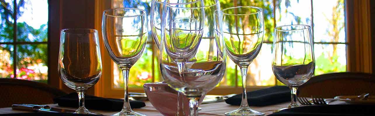 table setting at Dans at Green Hills