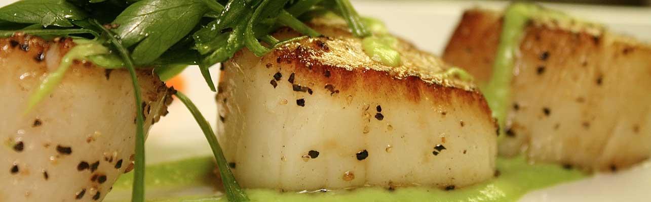 scallops with green pea mash